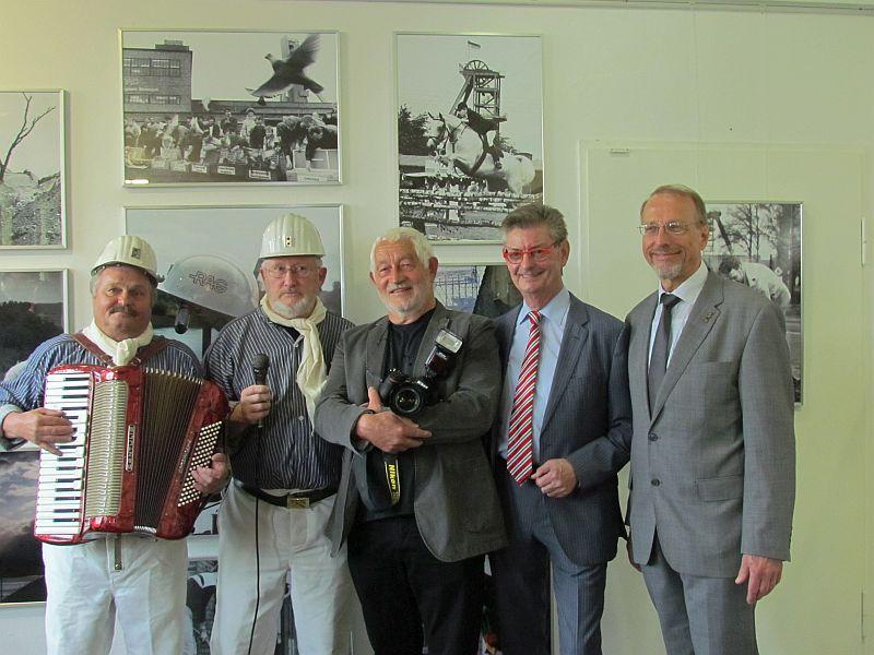 """Eröffnung der Ausstellung """"Es war mehr als Kohle (l.). """"Scheddy & Metze"""", Ulrich Bonke, Norbert Römer und Roland Schäfer."""