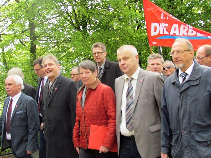 Umweltministerin Hendricks verteidigt bei 1. Mai in Bergkamen Gabriels Kraftwerkspläne