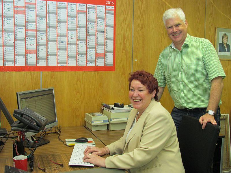 Fraktionsgeschäftsführerin Annette Adams mit Fraktionschef Thomas Heinzel.
