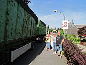Anlieger fordern, den Lkw-Verkehr von der Kampstraße zu verdrängen.