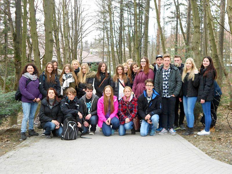 Die Bergkamener Schüler mit ihren Gastgebern bei einem Besuch von Zakopane.