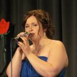 "Anke Lewandoski sang ""Geile Zeit"""