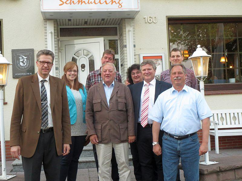 Der neuen Vorstand der SPD Overberge (v.l.): Bernd Schäfer, Linda Römke, Frank Menzel, Silvia von Depka, Christoph Kühling, Uwe Reichelt. und als Gast Rüdiger Weiß, MdL.