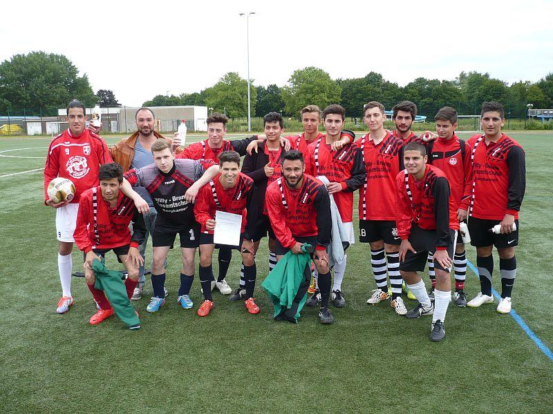 Die WK I-Mannschaft der Bergkamener Gesamtschule ist Fußballkreismeister. Foto: Kreis Unna