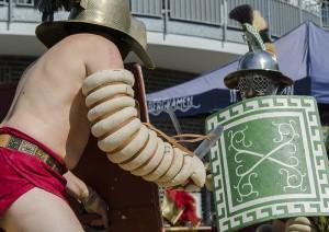 """Ganz schön zur Sache es bei den Gladiatoren in der """"Arena""""."""