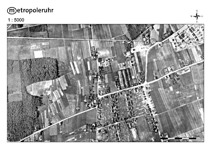 In der Mitte dieses Bereichs, das das Luftbild aus dem Jahr 1926 zeigt, befindet sich heute die Bergkamener City mit Rathaus und Busbahnhof.