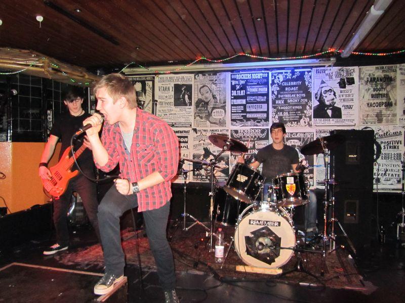 "Die Band Band ""Incomplete"" nahm bereits erfolgreich an der Ruhr-Tour-Live teil."