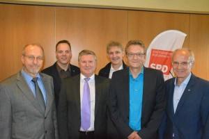 Von links: Bürgermeister Roland Schäfer, Jens Schmülling, Vorsitzender der AfA Bergkamen,  Rüdiger Weiß, Mdl und stellvertretender Vorsitzendes des SGK Kreisverbandes Unna,  Michael Makiolla, Landrat, Dietmar Köster, MdEP, und  Thomas emmelmann, stellvertretender Fraktionsvorsitzender Bergkamen/SPD.