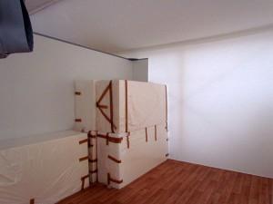 Die Matratzen sind da, die dazugehörenden Bettgestellen sollen an diesem Wochenende geliefert und aufgebaut werden.