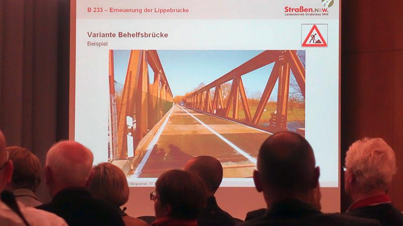 Straßen NRW stellte am Dienstagabend eine Behelfsbrücke im Foto vor, wie sie während der Bauphase für den Brückenneubau über die Lippe errichtet werden kann.