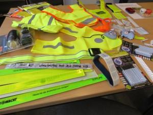 Reflektierende Materialien - zusammengestellt von der Polizei