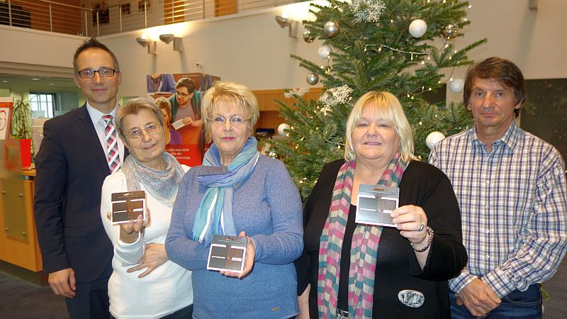 Glückliche Gewinner (.l.): Michael Krause, Brigitte Katulski, Monika Grieger sowie Karin und Dietmar Pohl.