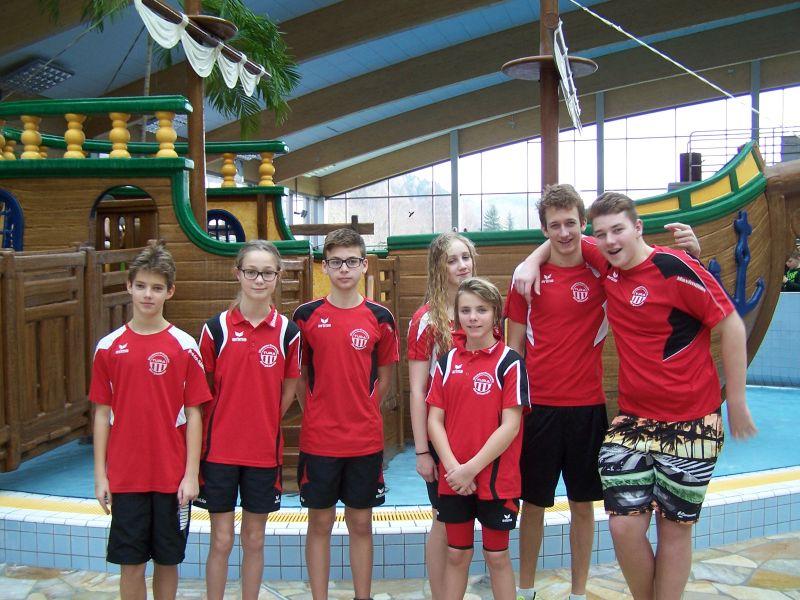 Das erfolgreich Team der TuRa Wasserfreunde: Kevin-Noah Kaminski, Saskia Nicolai, Felix Wieczorek, Ann-Kathrin Teeke, Jana Vonhoff, Yannick Walln und Maximilian Weiß.