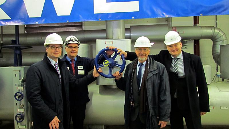 Symbolische Inbetriebnahme der Fernwärmeversogung durch das Biomasse-Heikraftwerk Bergkamen.