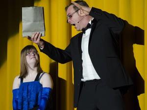 Zauberkünste zwischen den Vorführungen mit Markus Pitz.