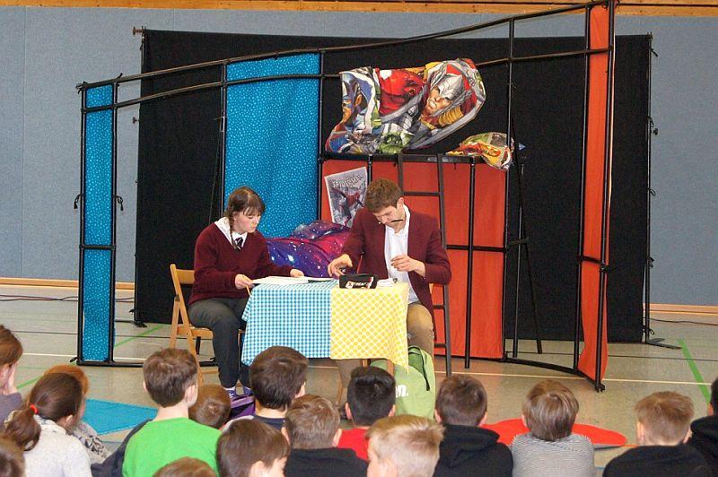 Das White Horse Theatre gastierte an der Realschule Oberaden.