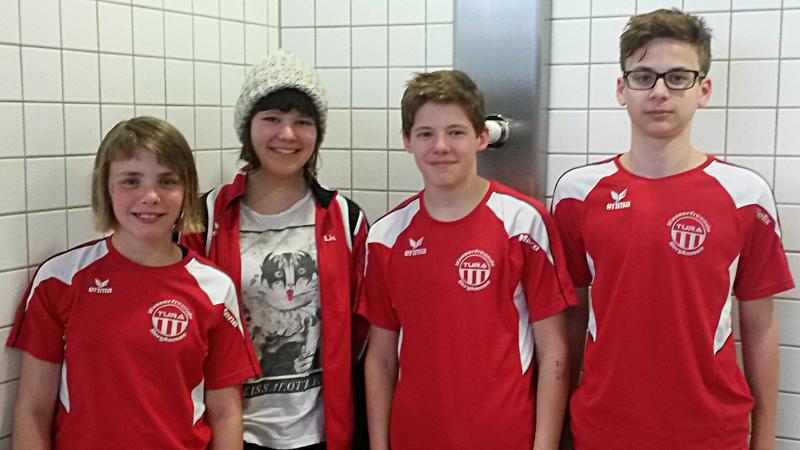 Erfolgreiche TuRa-Schwimmer: Jana Vonhoff, Lisa Weber, Marco Steube und Felix   Wieczorek