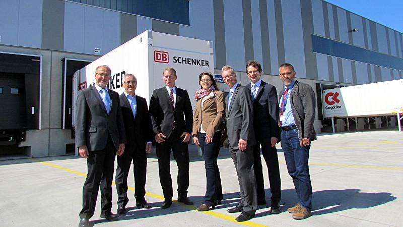 Betriebsbesichtigung bei DB Schenker im Logistikpark A2.