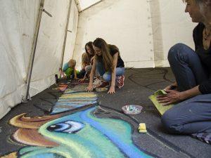 Straßenmaler in Aktion.