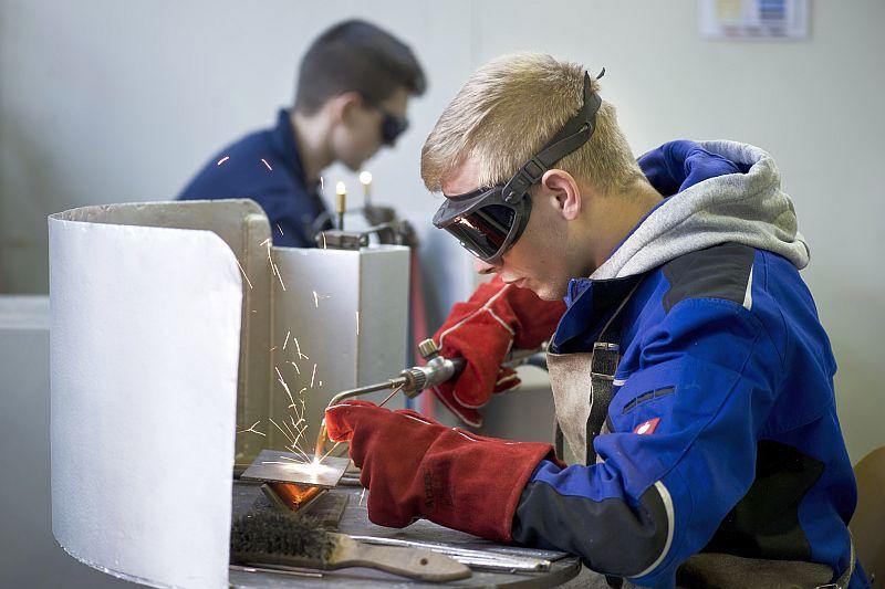 Im Bildungszentrum Bergkamen von TÜV NORD Bildung wird unter anderem im Bereich Schweißtechnik ausgebildet. Foto: Christian Nielinger