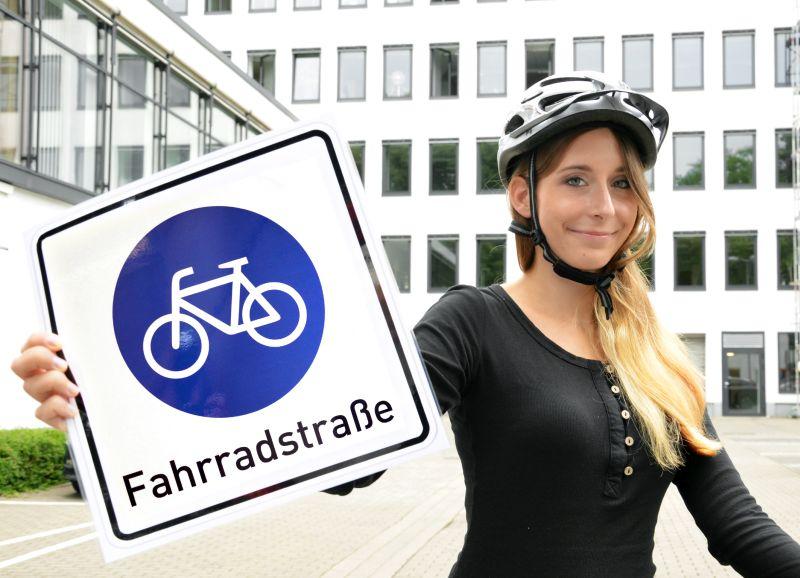 Dieses Zeichen weist auf eine Fahrradstraße hin. Foto: B. Kalle – Kreis Unna