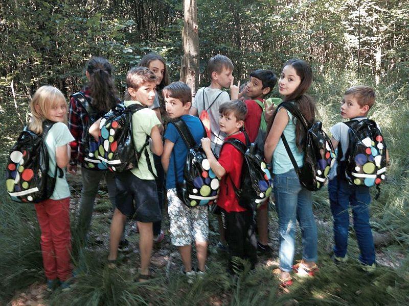 Die Teilnehmer der Geocaching-Aktion in den Sommerferien mit ihren bunten Kulturrucksäcken.