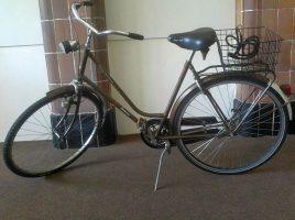 Einbrecher kommt mit dem Drahtesel: Wer kennt dieses Fahrrad?