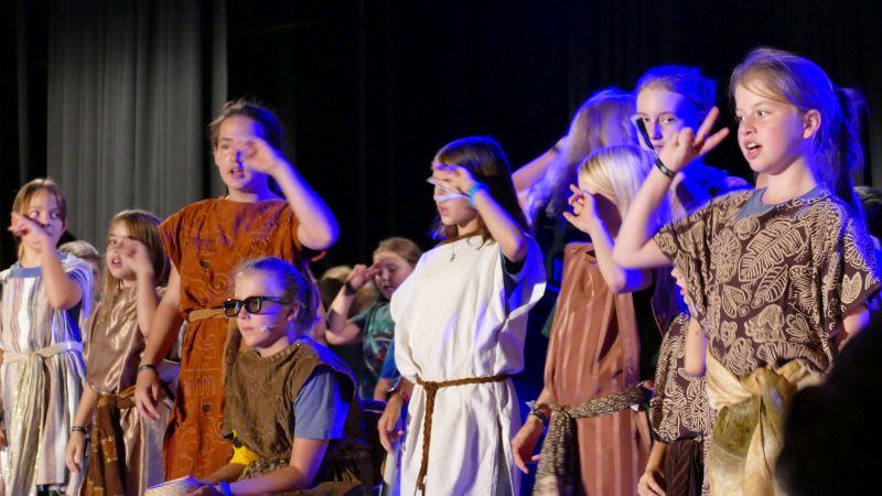 Das Kindermusicalprojekt der Friedenskirchengemeinde Bergkamen auf der Festivalbühne des studio theaters.
