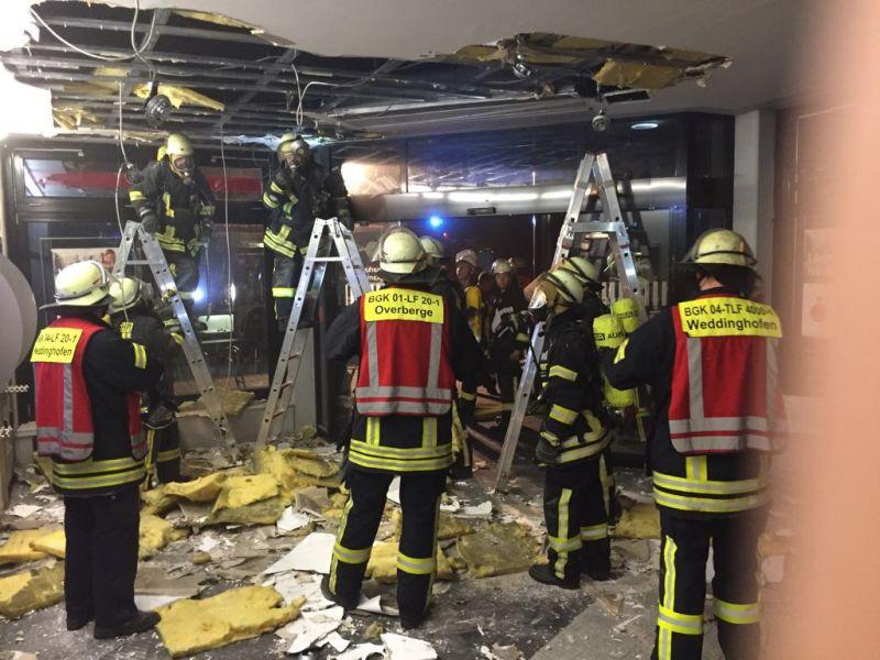 Ein Kabelbrand in der Decke war der Grund für den Feuerwehreinsatz in der Sparkasse Overberge.