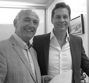 """Der durch Fernsehen und Film (""""Lügen und andere Wahrheiten"""") bekannte Schauspieler Thomas Heinze (rechts) war letzter  prominenter Gesprächspartner von Redaktionsleiter Egbert Teimann."""