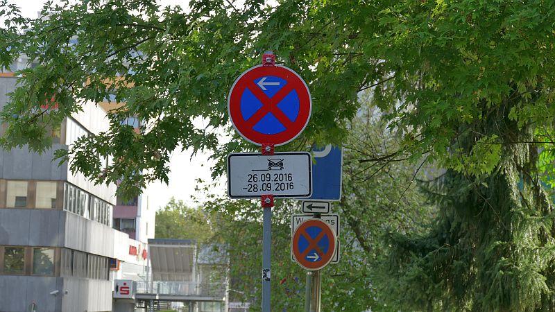 Bis einschließlich Mittwoch gilt auf dem Westteil der Zentrumstraße ein absolutes Halteverbot.