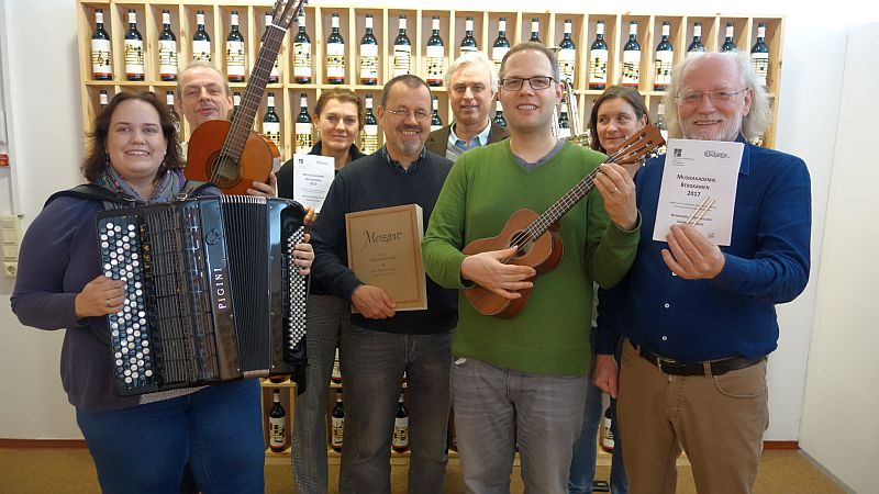 Die Dozenten der Musikakademie Bergkamen präsentieren ihre Angebote für erwachsene Musikliebhaber im kommenden Jahr.