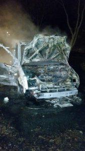Ausgebranntes Fahrzeug an der Justus-von-Liebig-Straße