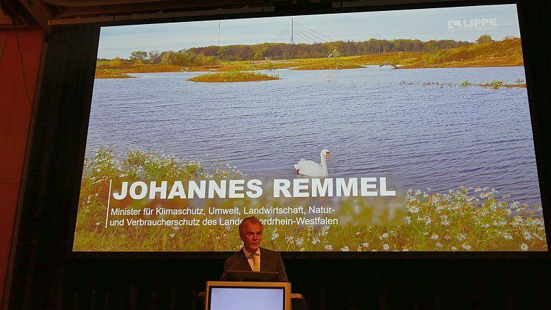 Landesumweltminister Johannes Remmel bei der Verbandsversammlung des Lippeverbands am Mittwochmorgen in der Kamener Stadthalle.