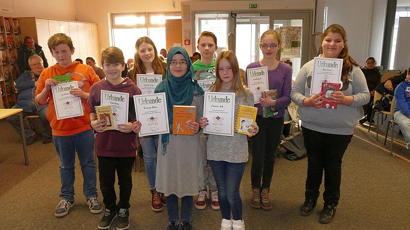 Die Teilnehmer am Vorlesewettbewerb