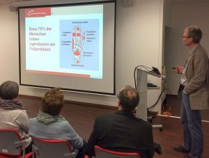 Dr. Rüdiger Hoppe, Leitender Arzt der Abteilung Fußchirurgie am Hellmig-Krankenhaus Kamen, referierte am MIttwoch im Rahmen der Vortragsreihe Pulsschlag.