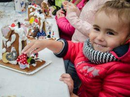 Für den Glühwein beim Weihnachtsbaumverkauf bei Röttger wird um eine Spende für die Kinder- und Jugendhilfe gebeten